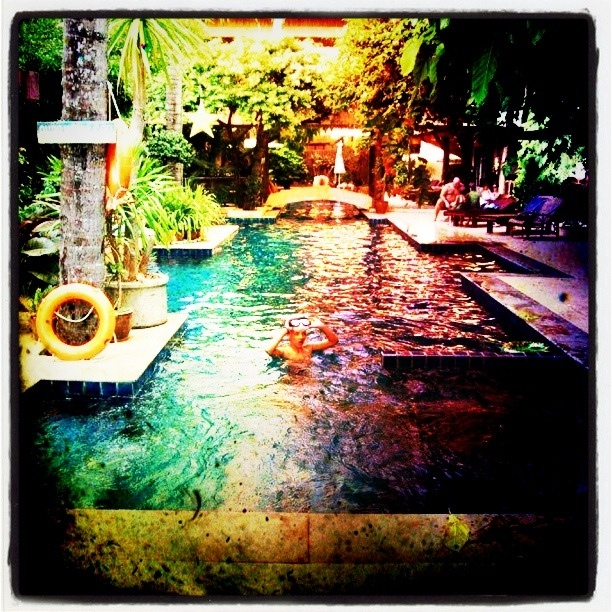 The swimming pool at Phra Nang Inn.