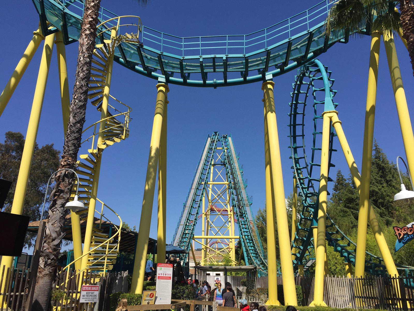 Fun rides at Six Flags Discovery Kingdom | The World Is Kullin